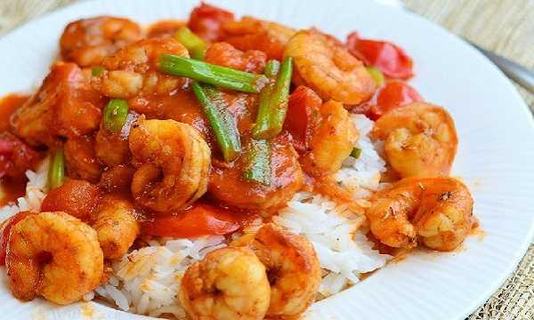Recette Crevettes à la Sauce Tomate Épicée