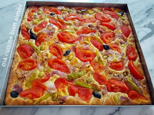 Recette Focaccia aux Tomates Oignons et Olives