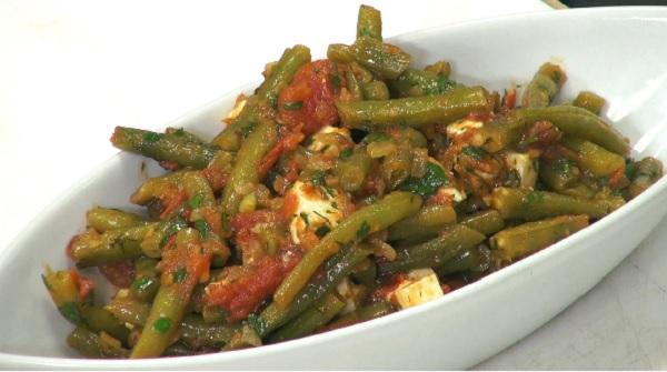Recette Salade d'Haricots Verts à la Tomate et Oignons